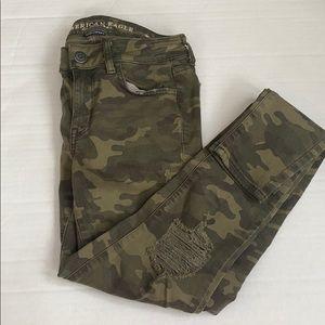 Camo distressed leggings